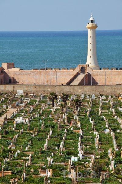 Fotka, Foto Maják u hřbitova (Rabat, Maroko)