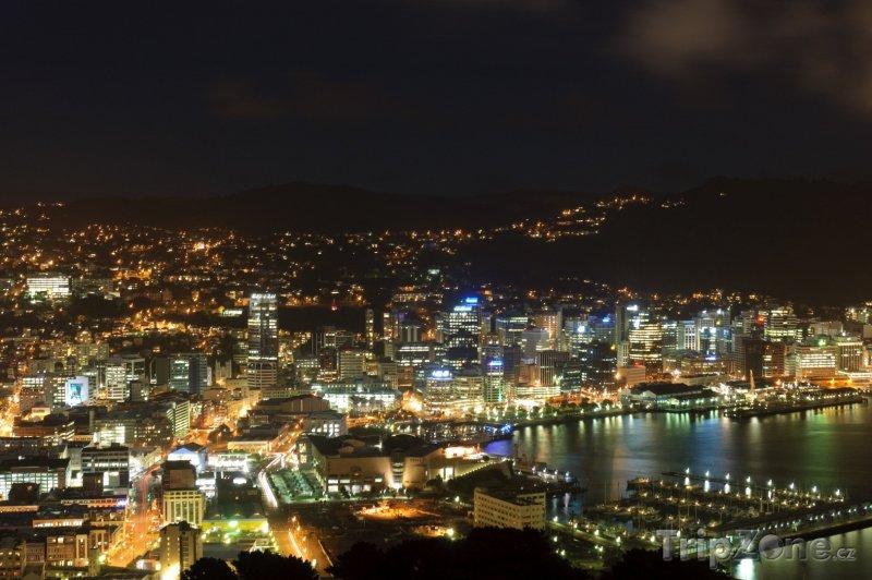 Fotka, Foto Město v noci (Wellington, Nový Zéland)