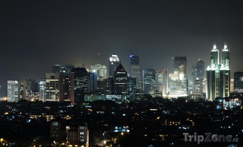 Fotka, Foto Město v noci (Jakarta, Indonésie)