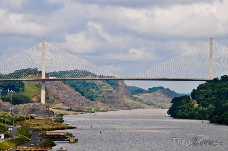 Fotka, Foto Most Centennial (Panama)