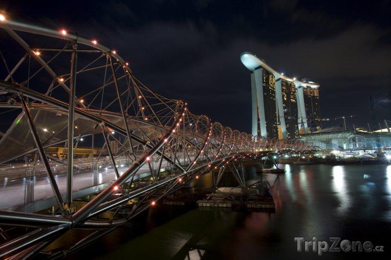Fotka, Foto Osvětlený most Helix (Singapur)