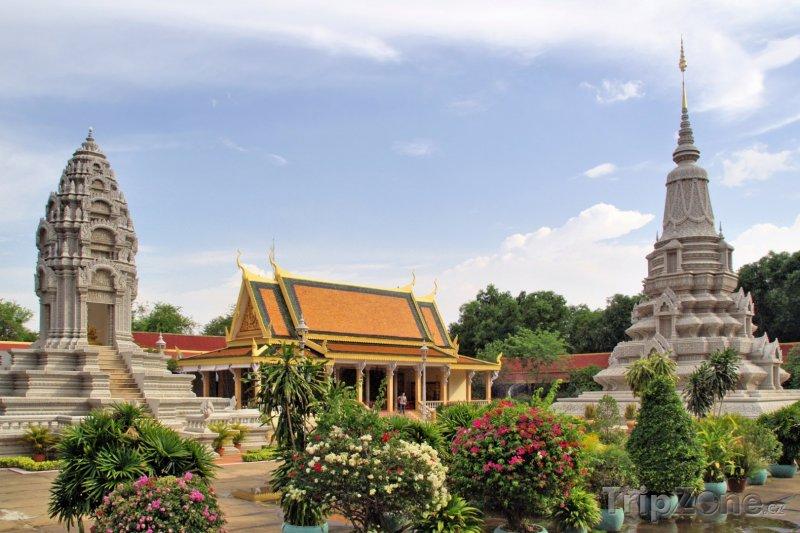 Fotka, Foto Pagody vedle Královského paláce v Phnompenh (Kambodža)