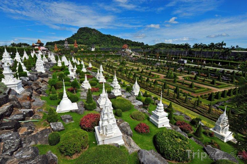 Fotka, Foto Panoráma botanické zahrady Nong Nooch (Pattaya, Thajsko)