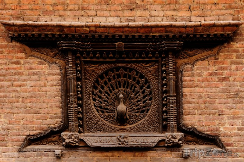 Fotka, Foto Páví okno ve městě Bhaktapur (Nepál)