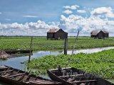 Plovoucí domy na jezeře Tonlesap