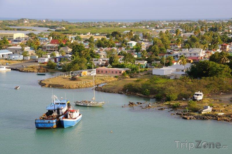 Fotka, Foto Pohled na přístav (Antigua a Barbuda)