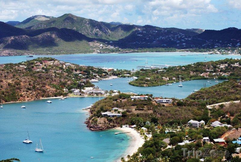 Fotka, Foto Pohled na záliv Nelson's bay (Antigua a Barbuda)