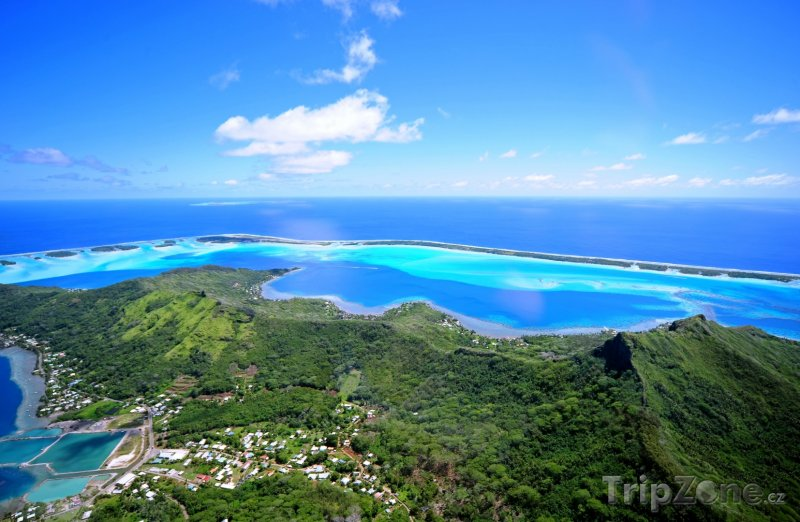 Fotka, Foto Pohled z hory Otemanu na Bora Bora (Francouzská Polynésie)