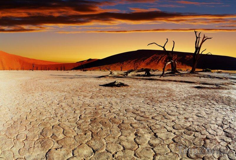 Fotka, Foto Poušť Namib při západu slunce (Namibie)
