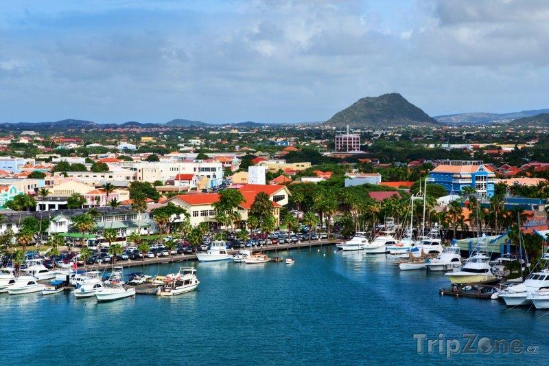 Fotka, Foto Přístav u města Oranjestad (Aruba)