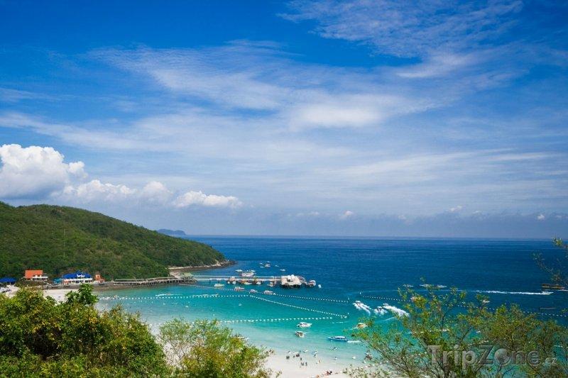 Fotka, Foto Přístav u ostrova Ko Lan (Pattaya, Thajsko)