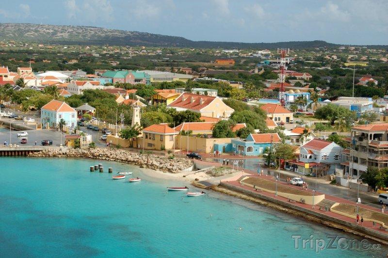 Fotka, Foto Přístav ve městě Oranjestad (Aruba)