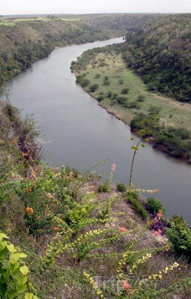 Fotka, Foto Řeka Chavón (Dominikánská republika)
