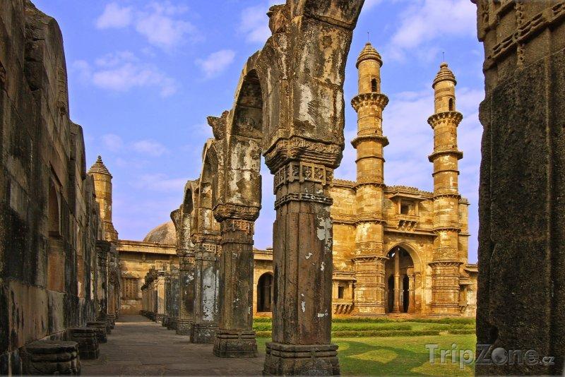 Fotka, Foto Ruiny paláce v Gujaratu (Indie)