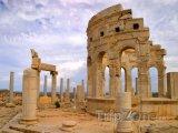 Ruiny římského trhu v Laptis Magna