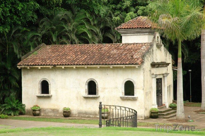 Fotka, Foto San José, kaple ve městě (Kostarika)