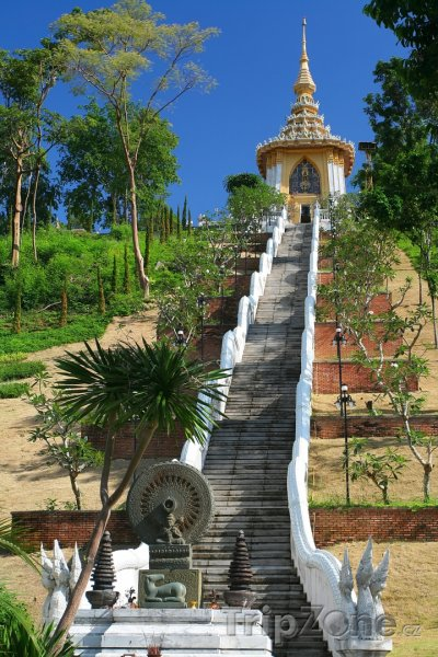 Fotka, Foto Schody k buddhistickému chrámu (Pattaya, Thajsko)