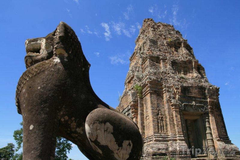 Fotka, Foto Socha lva v chrámu Angkor Vat (Kambodža)