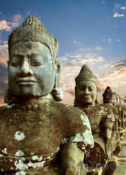 Fotka, Foto Sochy v chrámu Angkor Vat (Kambodža)