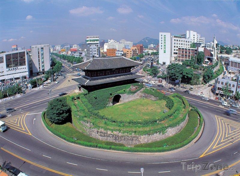 Fotka, Foto Soul, pohled na bránu Namdaemun (Soul, Jižní Korea)