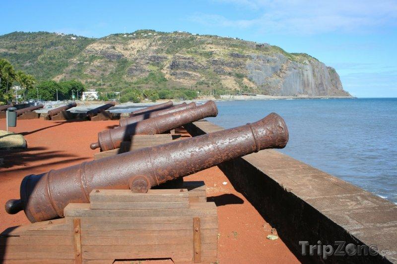 Fotka, Foto Starodávné kanony (Réunion)