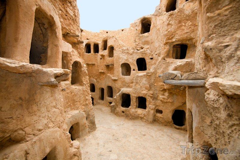 Fotka, Foto Starověké sýpky ve městě Nalut (Libye)