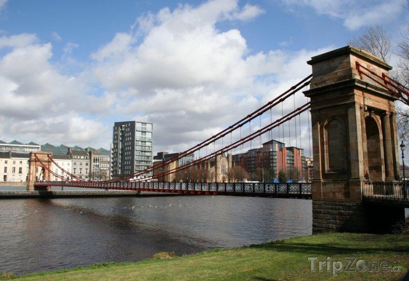 Fotka, Foto Suspension bridge (Glasgow, Velká Británie)