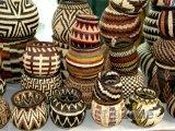 Tkané indické vázy