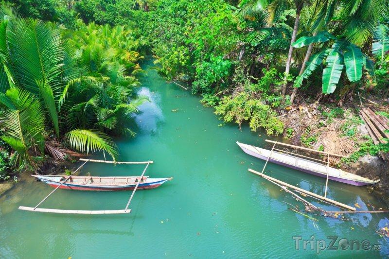 Fotka, Foto Tradiční filipínské lodě na řece (Filipíny)