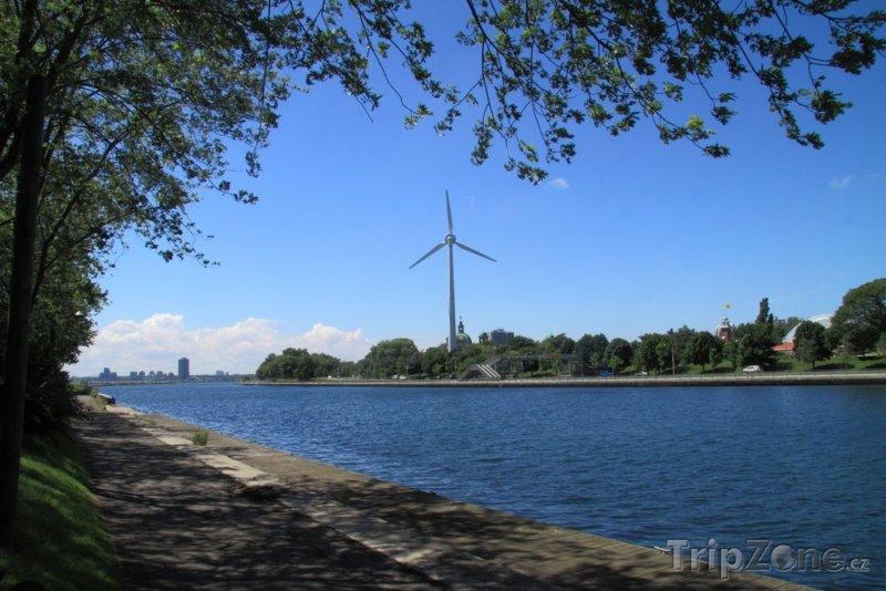 Fotka, Foto Větrný mlýn (Toronto, Kanada)