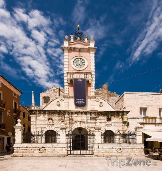 Fotka, Foto Věž s hodinami na hlavním náměstí (Zadar, Chorvatsko)