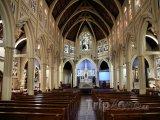 Vnitřek kostela St. Mary of the Angels