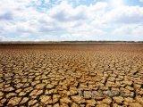 Vyprahlá zem v Národním parku Sarigua