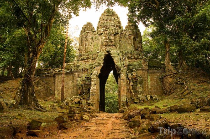 Fotka, Foto Západní brána naleziště Angkor (Kambodža)