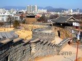 Západní brána pevnosti Hwasong