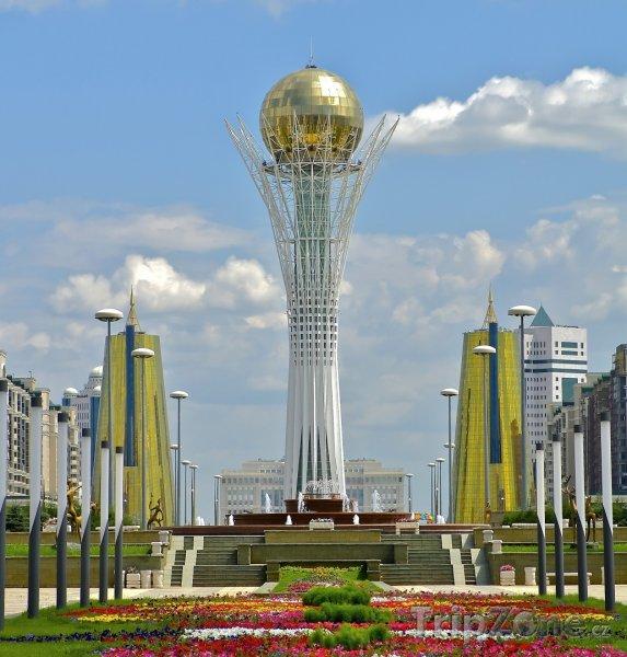 Fotka, Foto Bayterek, symbol města Astana (Kazachstán)