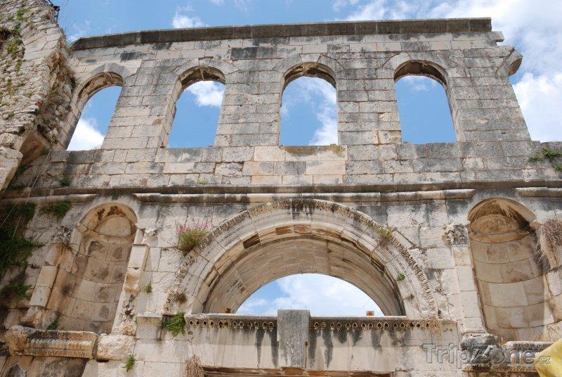 Fotka, Foto Brána v Diokleciánově paláci (Split, Chorvatsko)
