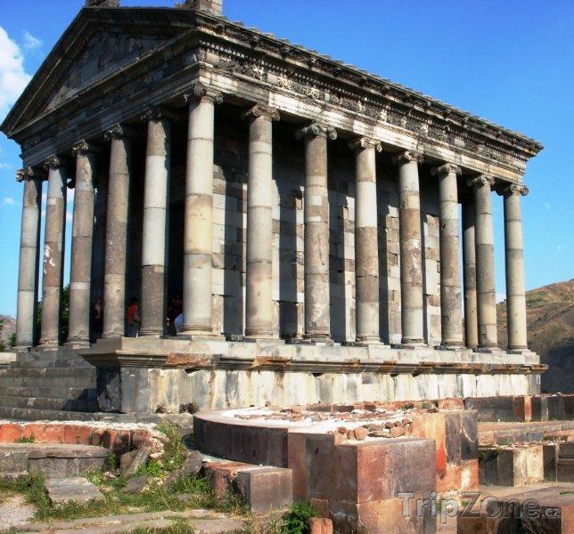 Fotka, Foto Chrám ve vesnici Garni (Arménie)