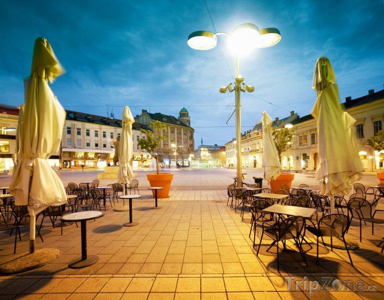 Fotka, Foto Hlavní náměstí Osijeku (Chorvatsko)