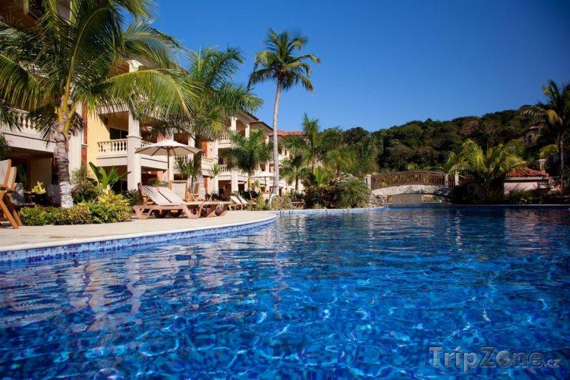 Fotka, Foto Hotelový resort ve městě La Paz (Honduras)