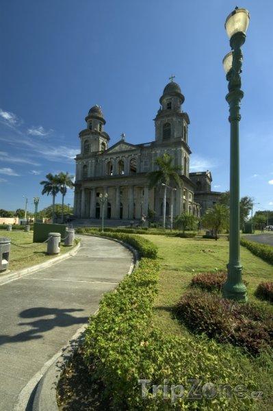 Fotka, Foto Katedrála Santo Domingo ve městě Managua (Nikaragua)