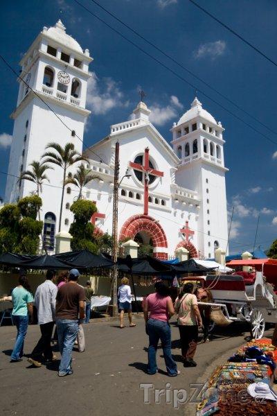 Fotka, Foto Katedrála ve městě Juayúa (Salvador)