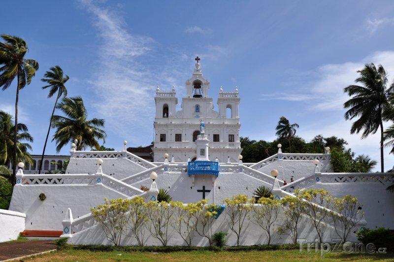 Fotka, Foto Kostel Panny Marie v Panadži (Indie)