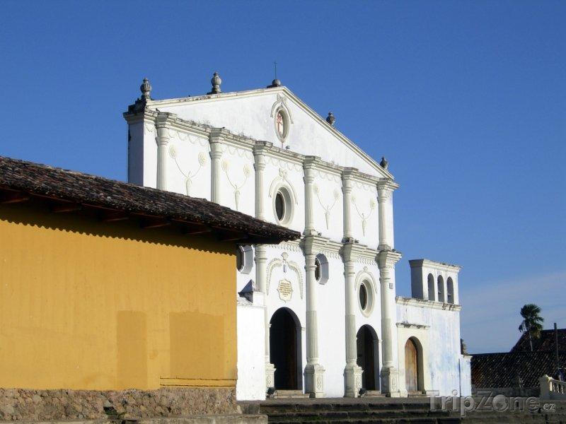 Fotka, Foto Kostel San Francisco v Granadě (Nikaragua)