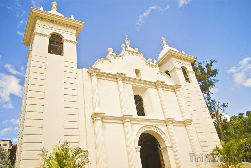 Fotka, Foto Kostel ve městě Santa Lucía (Honduras)