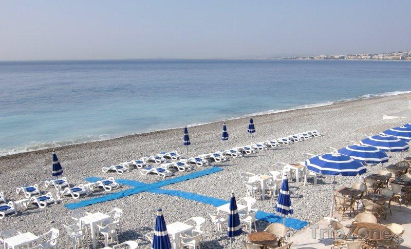 Fotka, Foto Lehátka na pláži (Nice, Francie)