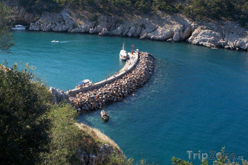 Fotka, Foto Loď u kamenného mola (Krk, Chorvatsko)