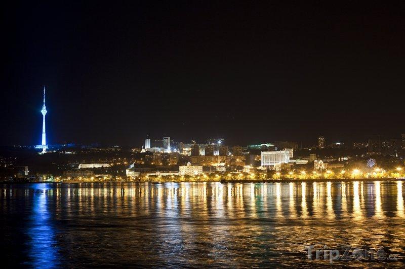Fotka, Foto Město Baku v noci (Ázerbájdžán)