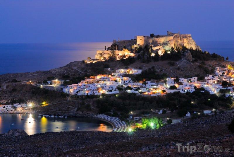 Fotka, Foto Město v noci (Líndos, Řecko)