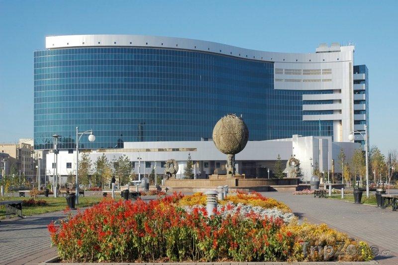 Fotka, Foto Ministerstvo financí v Astaně (Kazachstán)